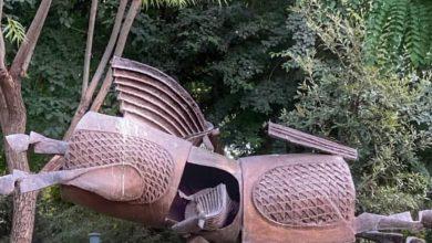 تصویر تندیسهای مفاخر ایران در پارک ملت تهران